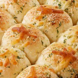 Cheesy Garlic Rolls