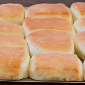 Buttery Copycat Texas Roadhouse Rolls