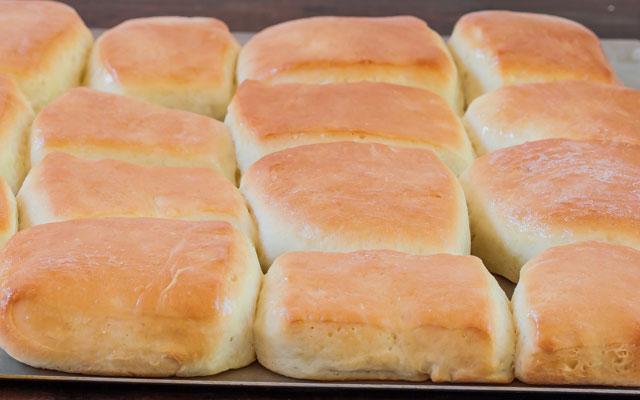 Buttery Copycat Texas Roadhouse Rolls