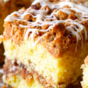 Extra Crumble Cinnamon Roll Cake