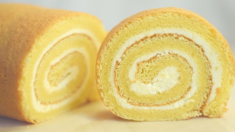 Swiss Roll Vanilla Cake