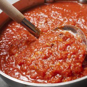 How To Make Basic Tomato Sauce