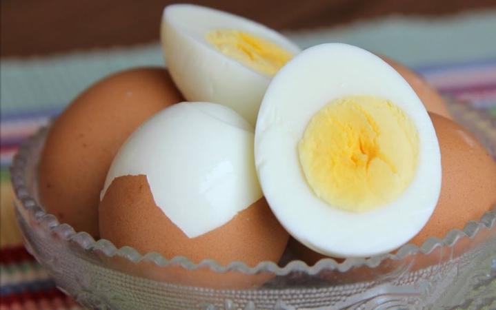Easy to Peel Hard Boiled Eggs