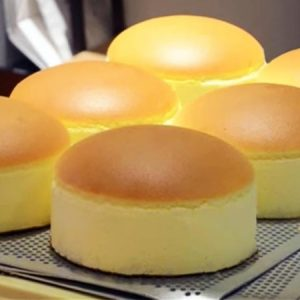 Fluffy, Jiggly Japanese Cheesecake