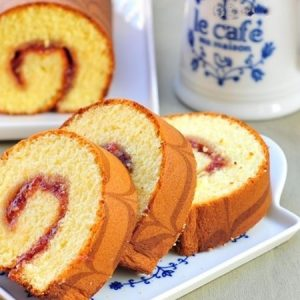 Classic Jelly Roll Cake