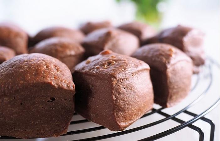 Square Milk Cocoa Bread Pave