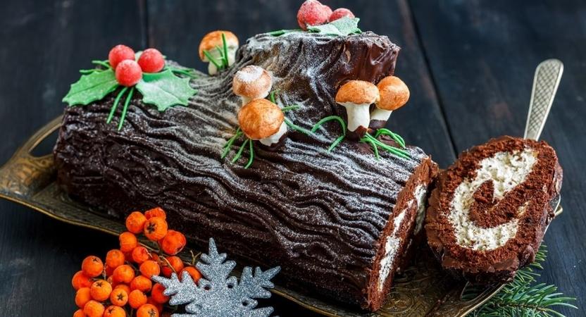 Yummy Christmas Log Cake