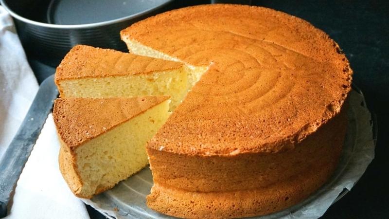 Easy Eggless Vanilla Cake