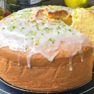 Fluffy Lemon Sponge Cake With Frosting