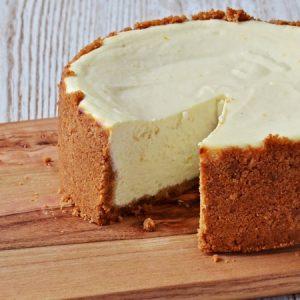 Light and Creamy Cheesecake