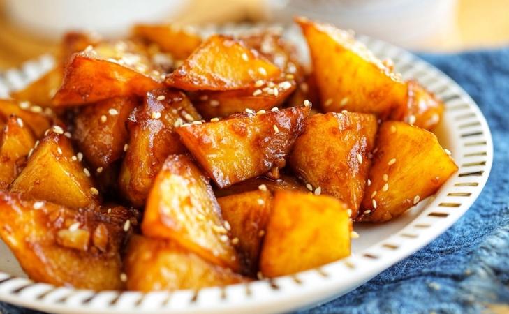 Crispy Potatoes with Spicy Garlic & Chili