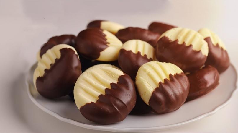 Shortbread Chocolate Cookies