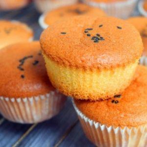 Delicate Fluffy Vanilla Cupcakes