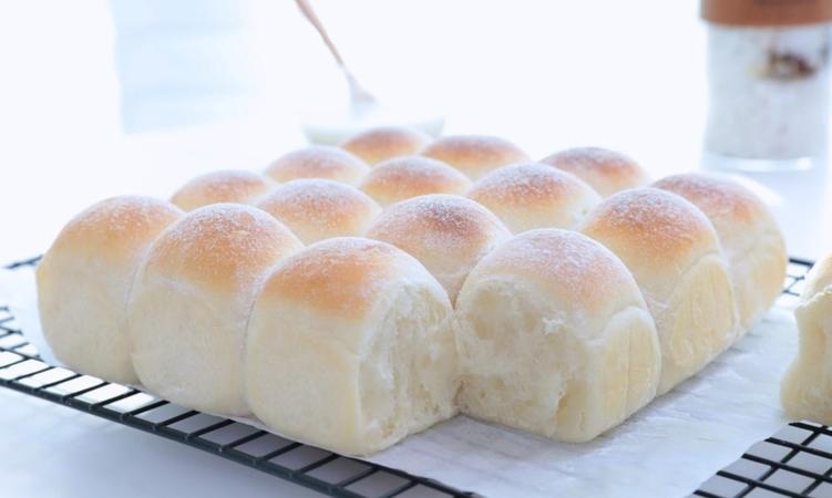 Yogurt Morning Bread Rolls