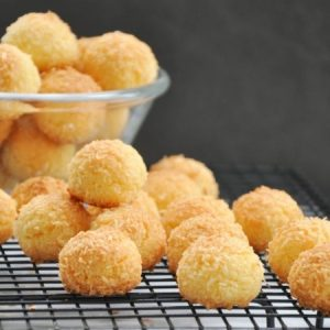 Coconut Pastry Balls