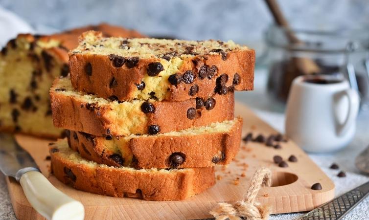 Chocolate Banana Almond Cake
