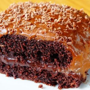 No Oven, Eggless Chocolate Cake