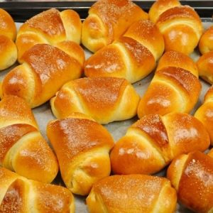 Butter Buns with Apples Filling